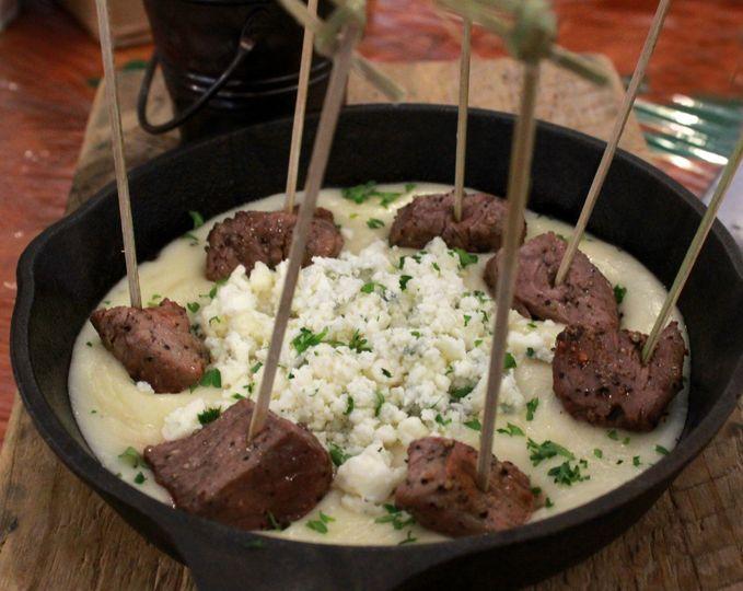 Peppered beef fondue