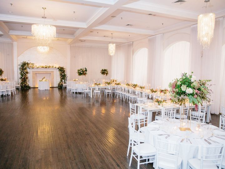 Tmx Belle Mer Salon Greenlion Broken Greenery Arch With Large Head Table Move Mountains Co  51 43700 Newport, RI wedding venue