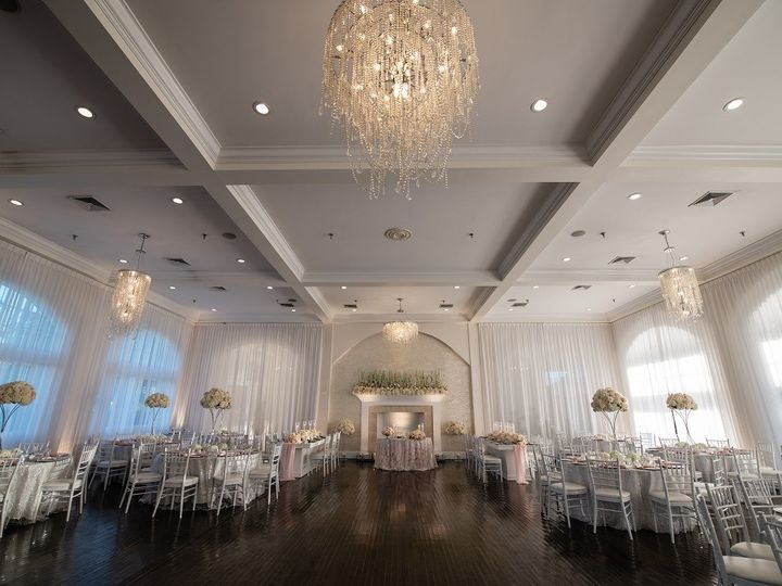 Tmx Belle Mer Salon Wide Shot With Tall Centerpieces Nelly Photography 51 43700 158464433934600 Newport, RI wedding venue