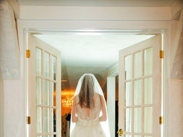 Tmx Beautiful Bride At A Waterfront Wedding On Long Island 51 64700 Ronkonkoma, NY wedding venue