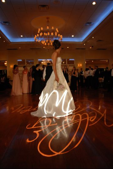 Our bride in the indoor ballroom at The Grandview in Poughkeepsie, NY about to toss her bouquet....