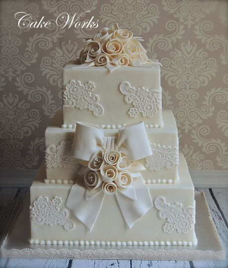 vintage lace and ribbon rose wedding cake wm