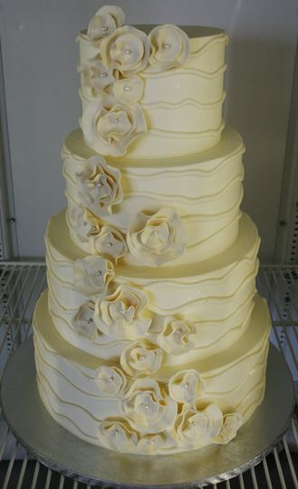 The Suisse Shop Wedding Cake Columbus OH WeddingWire