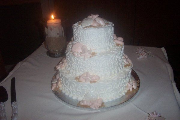 800x800 1290145720246 chocolateseashellsweddingcake