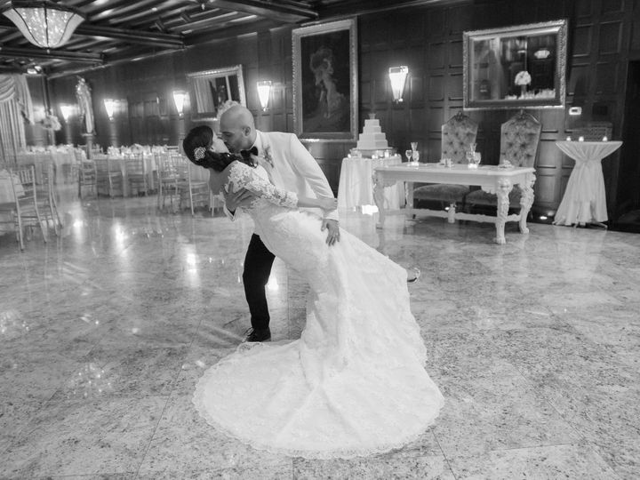 Tmx 1520541442 Feb26a3c25587d6b 1520541440 Dd8efb8da205cadf 1520541437888 5 Justine Pic 2  1  Red Bank wedding dress