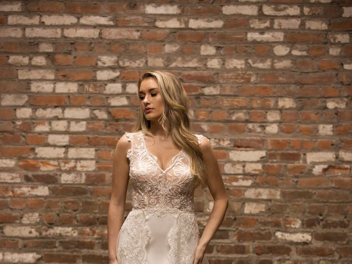 Tmx 42445133072 5c62daa910 O 51 754800 Red Bank wedding dress