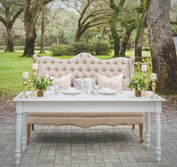 Sweet Heart Table and Settee