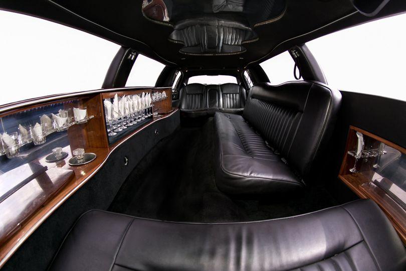 10 12 passenger stretch limo
