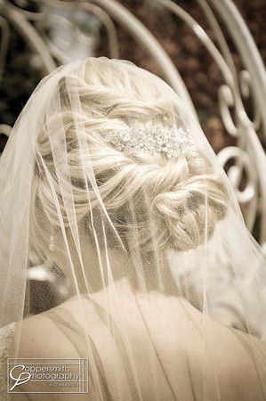 Hairdo underneath the veil