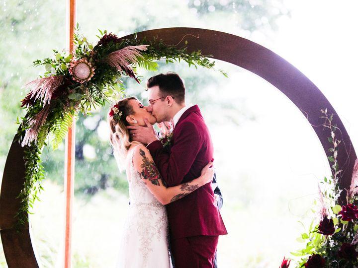 Tmx 1539049973 2fa414de7d106ceb 1539049971 299be76ef0c68c93 1539049964810 1 Rachel And Mytchel Coatesville wedding florist