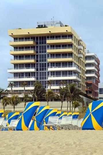 Hilton Bentley Miami exterior view