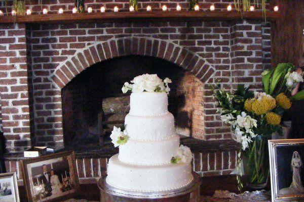 Tmx 1318304374906 Cakesrus009 Raleigh wedding cake
