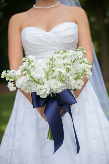 Bridal bouquet with navy ribbon