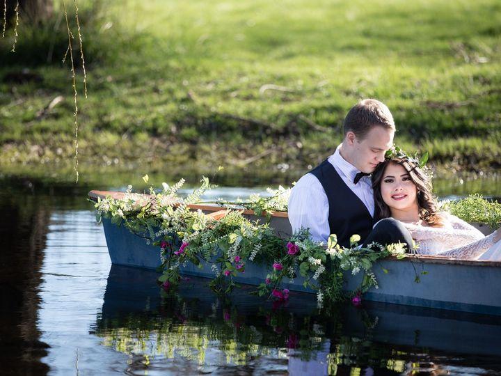 Tmx 1538434160 174ad2227d20ae8a 1538434157 E3be1d689e79eeee 1538434137572 6 B44A4457 Puyallup, WA wedding photography
