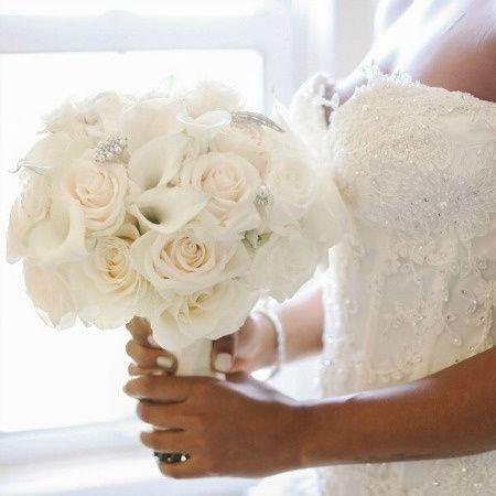 ce99b63e182ccad4 Glam Gatsby Inspired Bridal Bouquet Anissa Rae Flowers