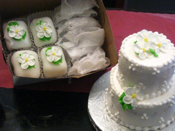 Tmx 1246385600217 IMG12562 Bronx wedding cake