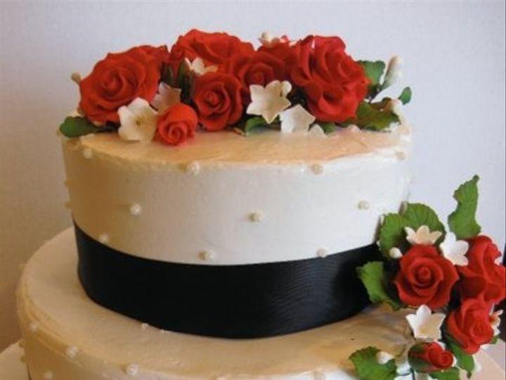 Tmx 1279835339608 Redrosesblackribbon Bronx wedding cake