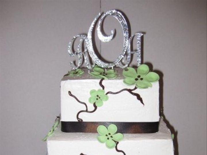 Tmx 1279835360702 ROAgreengumpasteflowers Bronx wedding cake