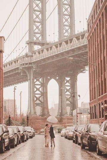 Epic Brooklyn Bridge photo in Dumbo! Must have shot for all Brooklyn weddings!