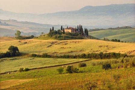 istock000005702300large tuscan landscape