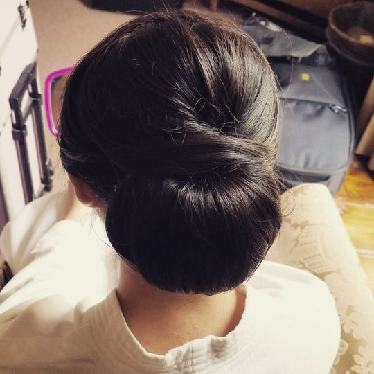Simple wedding bun