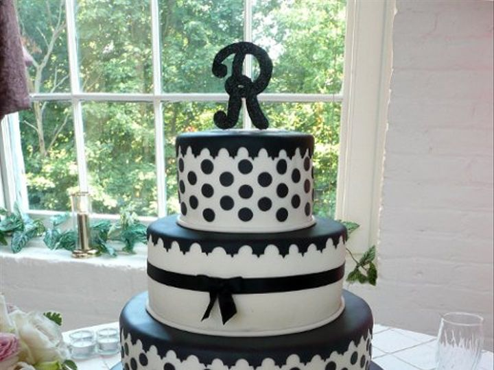 Tmx 1309443038351 RibbonAndDots Elkridge wedding cake