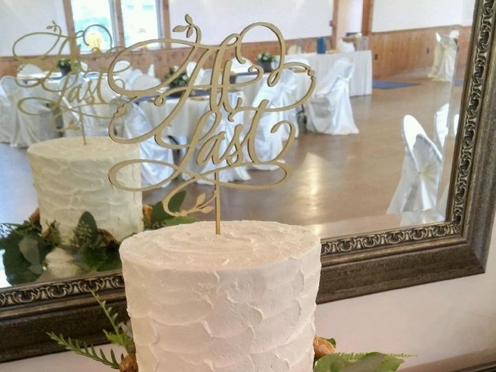 Tmx 1484670290859 Goldgreenery Madbury, NH wedding cake