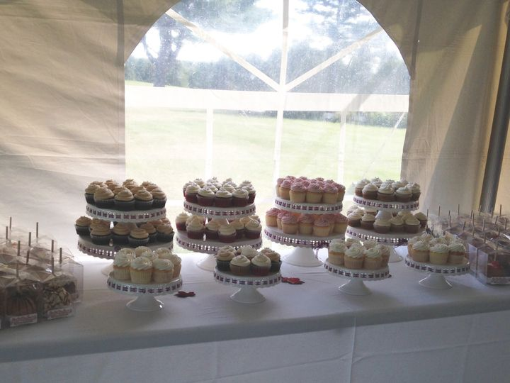 Tmx 1484676165836 Nscupcakes Madbury, NH wedding cake