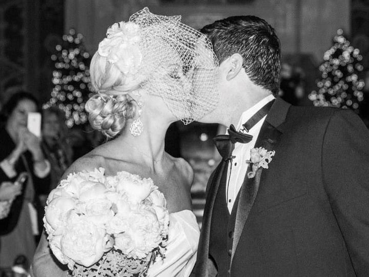 Tmx 1520717100 9f27979db7646db2 1520717077 B1c597af01fcde4d 1520717075008 96 25791186 10155989 New York wedding beauty