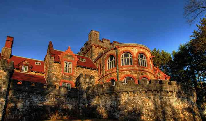 Searles Castle at Windham