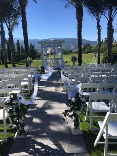Outdoor wedding cermony