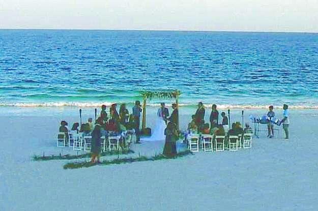 Sea side wedding ceremiomy