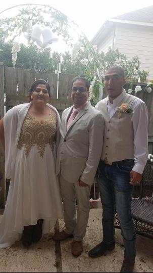 Backyard wedding in Spanish