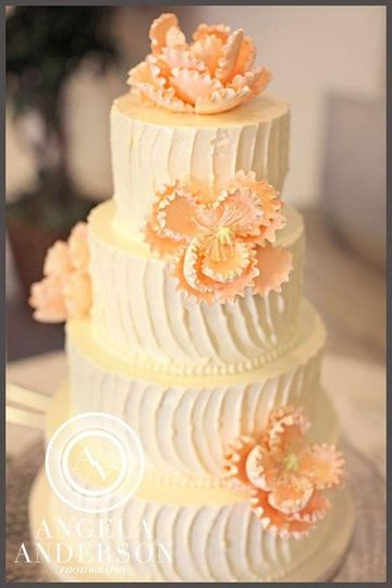 cake with peach flower