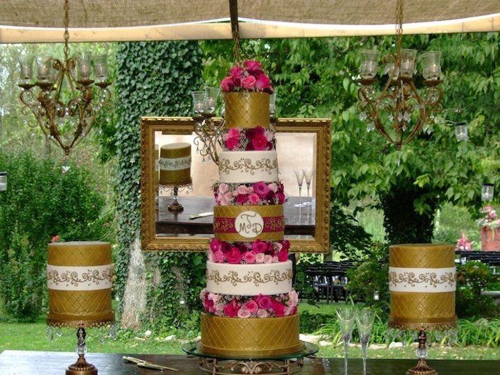 Tmx 1390003437462 Tall Cake Displa Lexington wedding cake