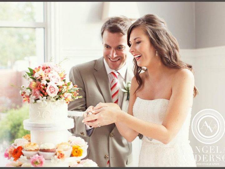 Tmx 1390003446366 Couple Cutting Cake By Martine Lexington wedding cake