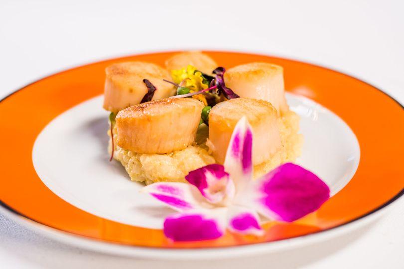 seared scallops on truffle risotto 5 51 27310 160200025899912
