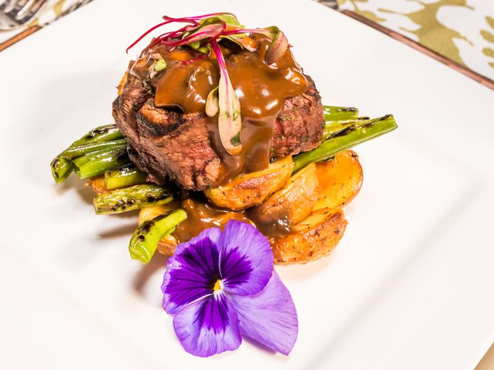 Tmx Filet Mignon With Sauteed Mushrooms In Demi Glaze 5 51 27310 160199991830221 San Diego, CA wedding catering