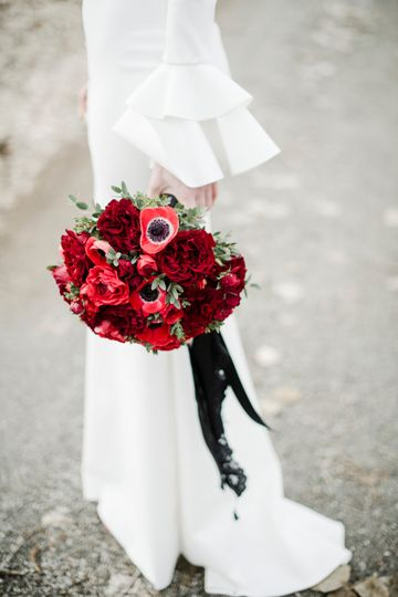Dramatic bouquet by Fleurie