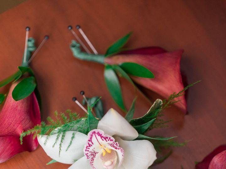 Tmx 1527629321 7f120a3e86a32fe5 1527629318 19430928cafe0654 1527629313099 53 KrystalandFrankMa Wayne, NJ wedding florist