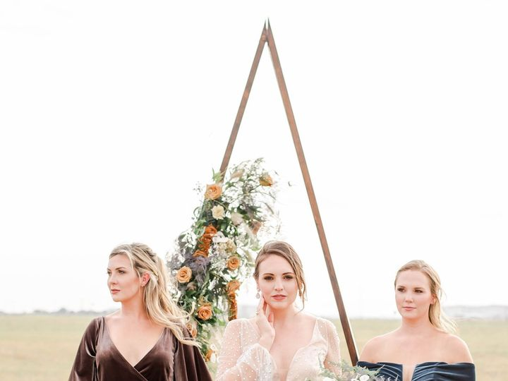 Tmx Under The Sun Photography Glamping Shoot 110 51 995410 160056403061405 San Antonio, TX wedding beauty
