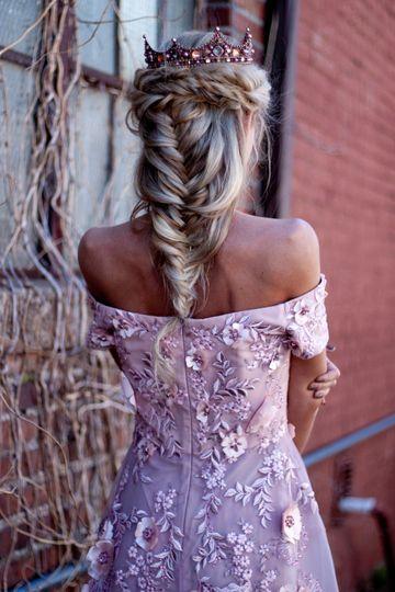 Bridal portrait hair