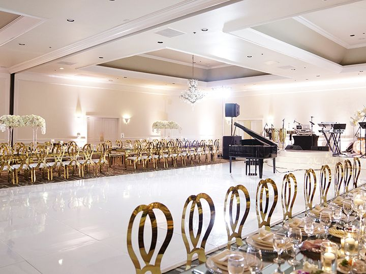 Tmx Classically Chic Enzoani Bride 13 51 27410 V1 Burbank, CA wedding venue