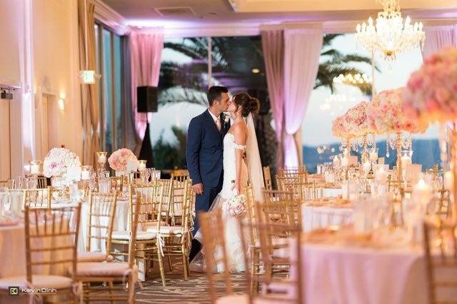 Tmx Couple Kissing In Starlight 51 27410 V2 Burbank, CA wedding venue