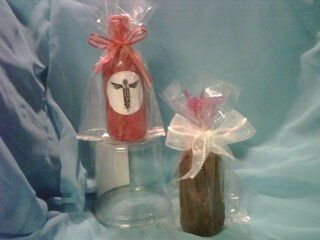 Chocolate Dipped Wine Bottles... Yes you can eat the CHOCOLATE !!!
