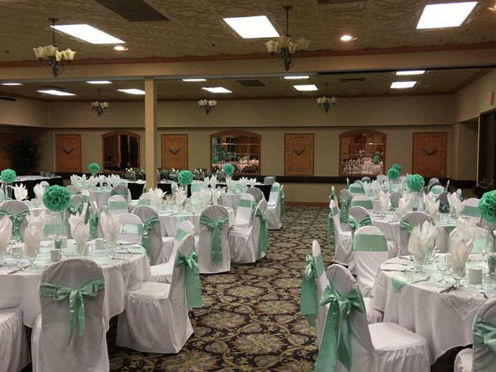 Mint reception decor