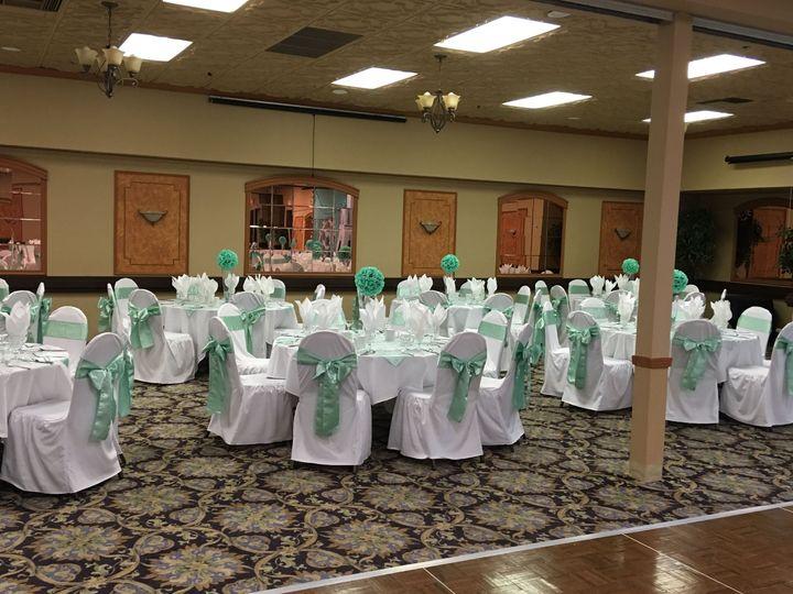 Green reception decor