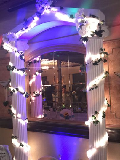Lighting on the columns