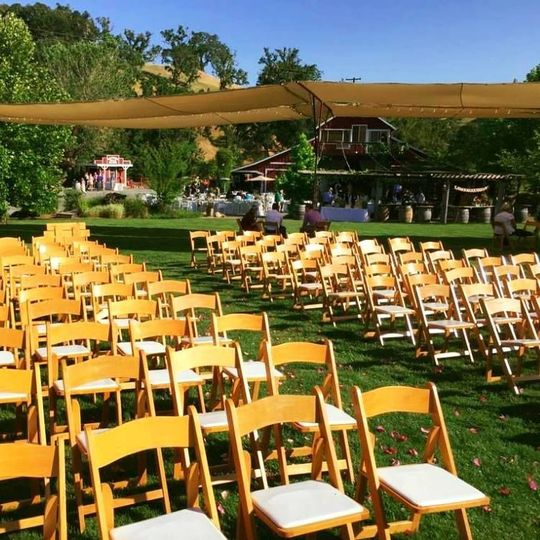 Outdoor wedding seating arrangement