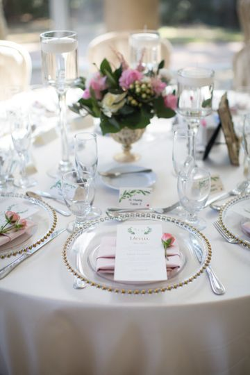 Table setting with blush napki
